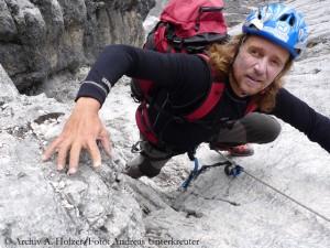 Im Fels der Carstensz-Pyramide (Foto: Andreas Unterkreuter)