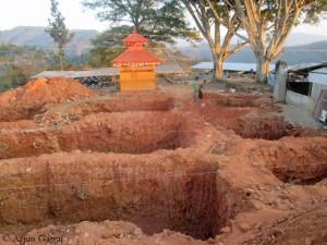 Die Gruben für die Fundamente