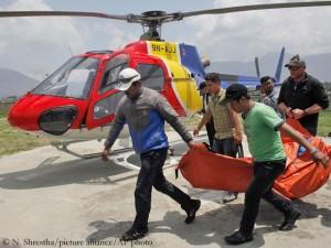 Eric Arnolds Leiche trifft in Kathmandu ein