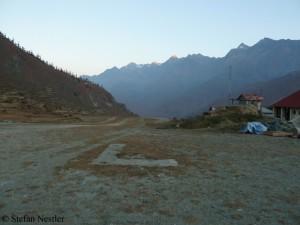 Flugpiste von Juphal im Dolpa im Westen Nepals