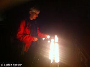 Eine Kerze im Kölner Dom
