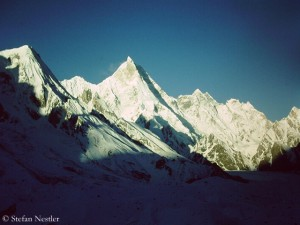Masherbrum (in der Bildmitte)