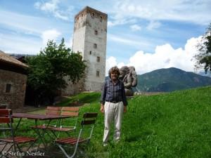 Messner vor einem seiner Bergmuseen (2009)
