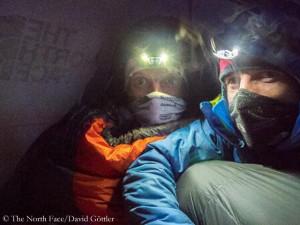 Moro (l.) und Göttler im Hochlager (© The North Face)
