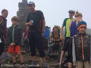 Quinn und Grayden in Nepal (© Hilaree O'Neill/Facebook)
