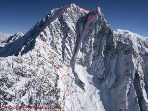 Aufstiegs- (r.) und Abstiegsroute (l.) mit Biwakplätzen