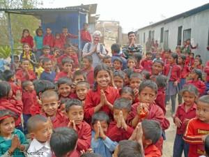 Schulkinder in Thulosirubari