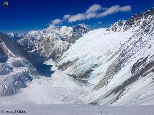 Blick aus der Lhotseflanke nach unten