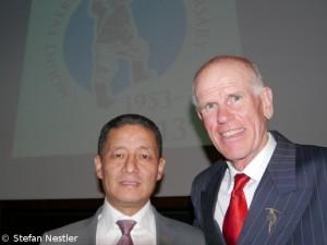 Jamling mit Peter Hillary, dem Sohn des anderen Everest-Erstbesteigerns (2013)