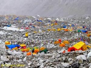 Basislager zu Füßen des Mount Everest