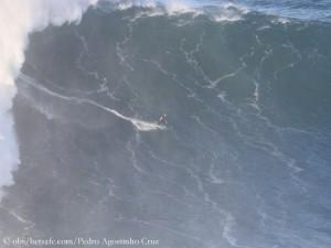 Steudtner in der (vielleicht Rekord-) Monsterwelle