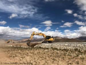 Bauarbeiten an der Straße zum Cho Oyu (© Adrian Ballinger)