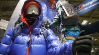 Bergsteiger-Puppen auf der ISPO