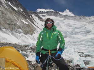 Alex Txikon in front of the Lhotse face