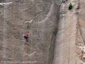 Tommy Caldwell (l.) in the Dawn Wall