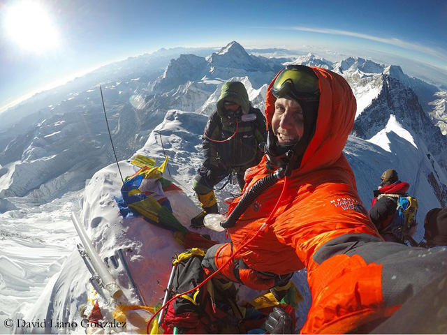 A mess on Everest - Mount Everest - Adventure Sports - DW.COM