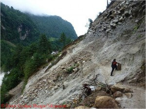 Landslide north of the village of Phakding