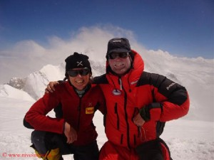 Nives Meroi (l.) and Romano Benet (on Kangchenjunga in 2009)