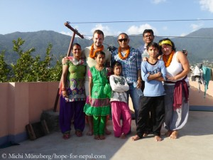 Michi Muenzberg (r.) in Kathmandu