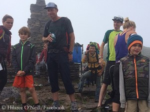 Quinn and Grayden in Nepal (© Hilaree O'Neill / Facebook)