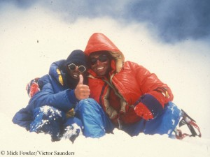 Fowler and Saunders (l.) on top of Spantik in 1987