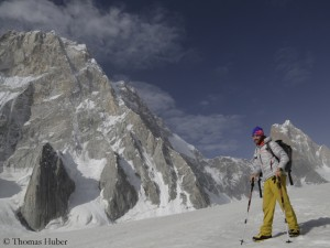 Thomas Huber on Choktoi Glacier, behind him the North Face of Latok I (l.) and Ogre (r.)
