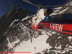 Rescue flight on Everest