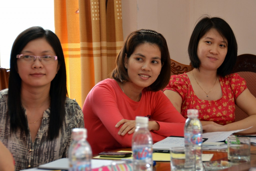 Ta Thi Ngoan (center) during a DW Akademie workshop in March 2013