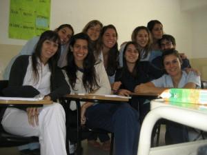 Meine Schwester Pilar und ihre Kommilitoninnen im Neonatologie-Kurs (Foto: Maria Cruz).