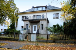 O primeiro prédio, a Villa Grotewohl