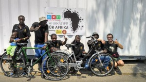 Johannes tries to visit one bike project a year. Here he is in Namibia, where he got the idea to start the project Bikes for Africa in the first place. Copyright: Johannes Wolf