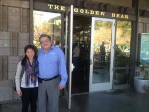 Chloe Tsang convinced Samuel Hernandez, the supervisor of Golden Bear Café at the UC Berkeley campus, to donate leftover food through Feeding Forward's website (Photo: Anne-Sophie Brändlin)