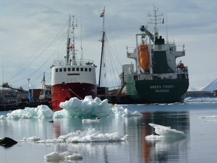Shipping in icy waters, Svalbard
