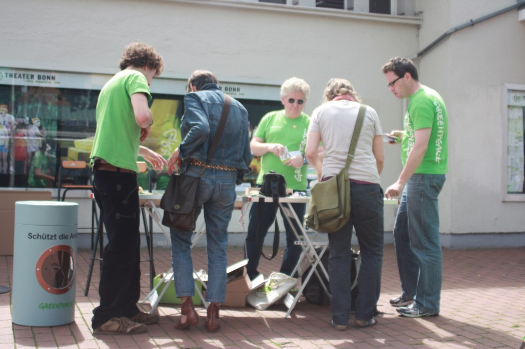 Interest in the Greenpeace Arctic info stand