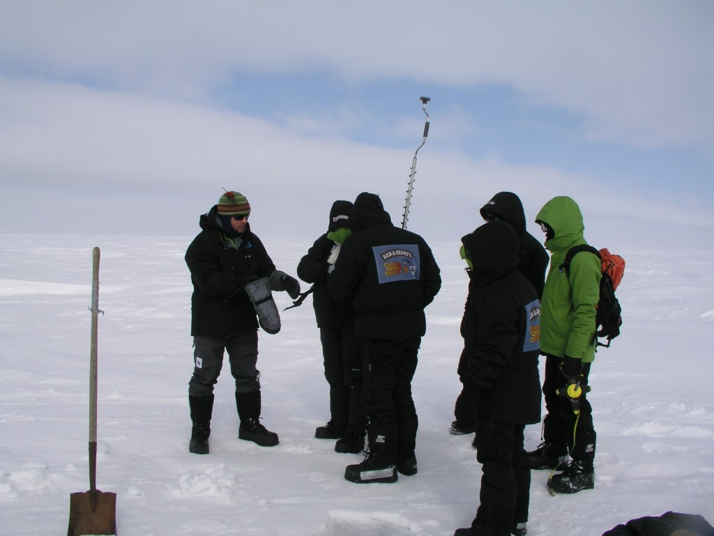 Marc Cornelissen shows climate ambassadors how to drill to measure ice thickness (i.Quaile, Alaska, 2008)