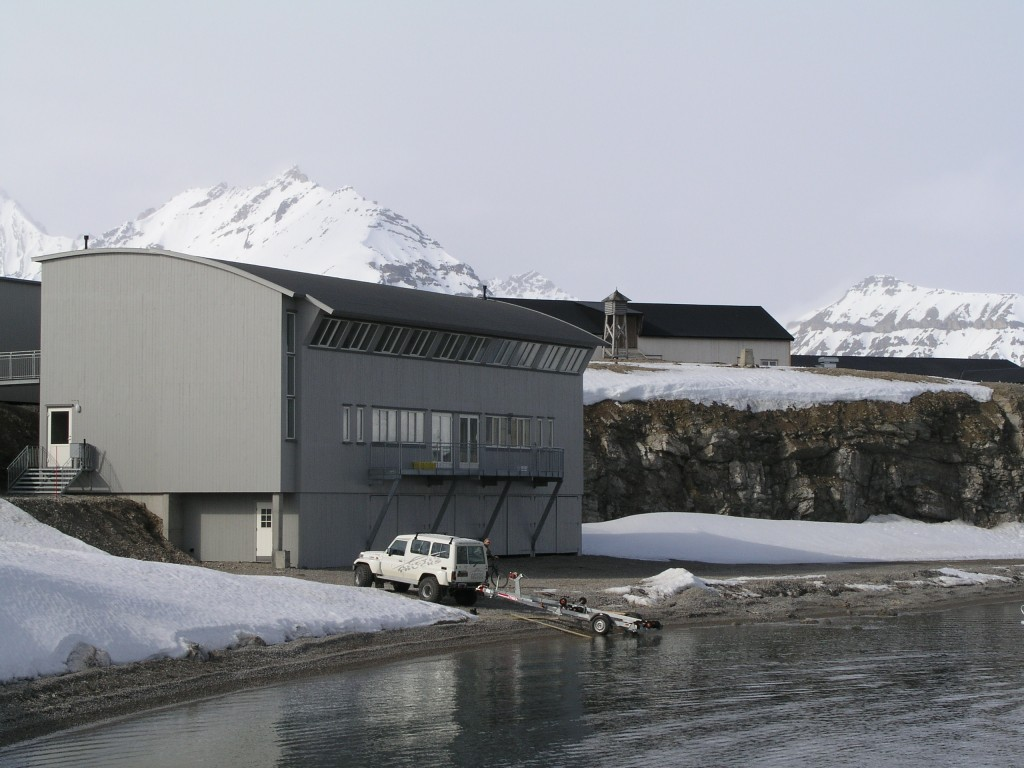 Ny Alesund, Spitsbergen hosts the world's northernmost marine lab. (Quaile, 2007)