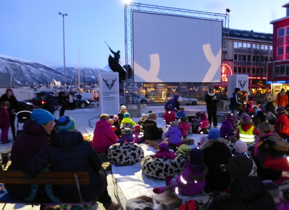 Outdoor cinema, Arctic style