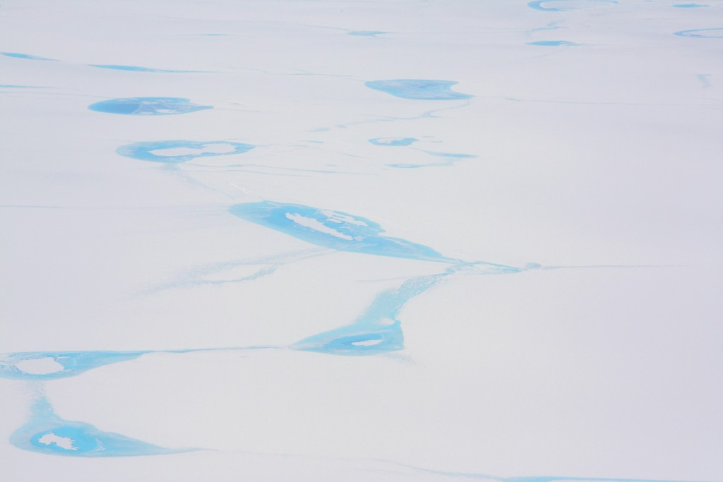 Meltwater trickles over Greenland ice sheet (Pic: I.Quaile)
