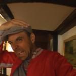 Michael Wigge hat sich den Kopf an einem Dachbalken gestoßen