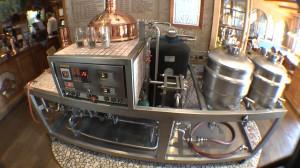 Die kleinste mobile Brauerei der Welt passt auf einen Tisch! Und funktioniert!