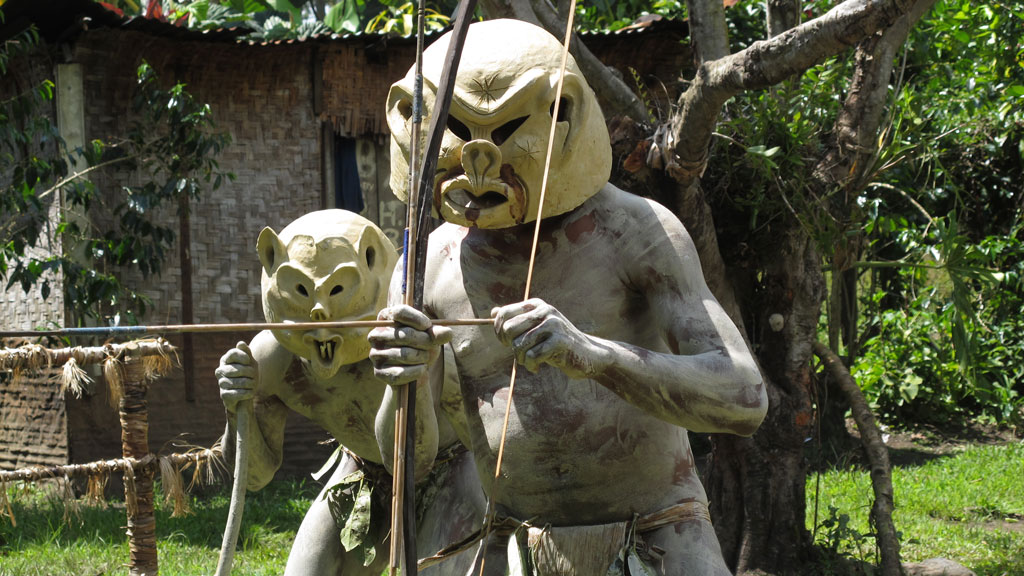 Asaro Mudmen. Legend has it that they were defeated by an enemy tribe and forced to flee into the Asaro river. The enemy saw them rise from the muddy banks covered in mud and thought they were spirits. People in PNG have strong connections with the spiritual world  (picture-alliance/dpa)
