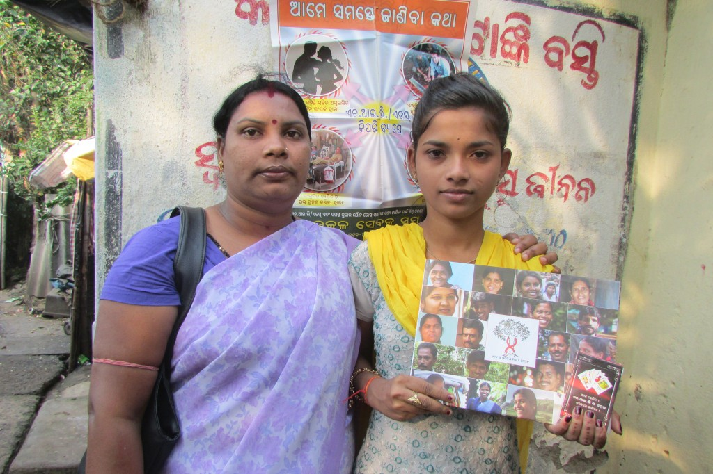 Counsellors like Laxmipriya (left) have enabled several adolescent girls living in slums of Bhubaneswar to understand the merits of safe sex. (Copyright: Rakhi Ghosh\WFS)