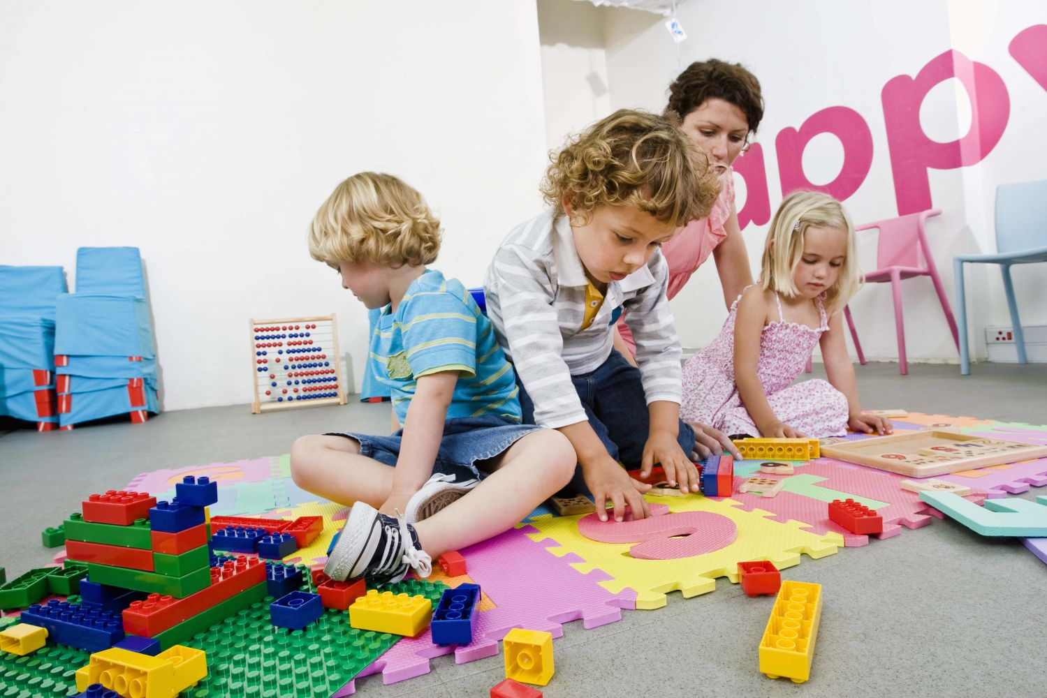 In several countries, including the US, there is an urgent need for safe, affordable childcare along with an analysis of the true social cost of not providing quality childcare. (Copyright: WFS)