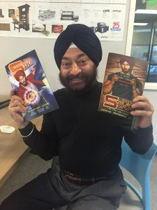 The artist Holding two issues © Surpreet Singh Manchanda
